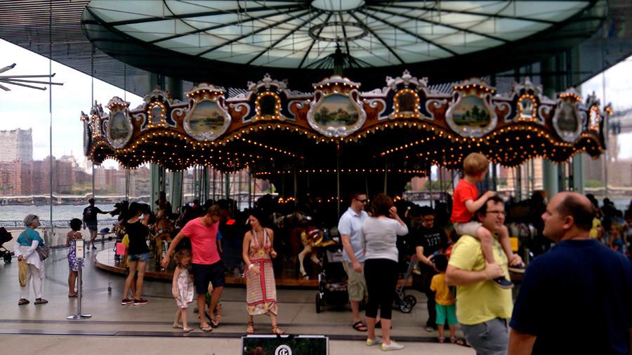 Brooklyn Bridge Park, Carousel