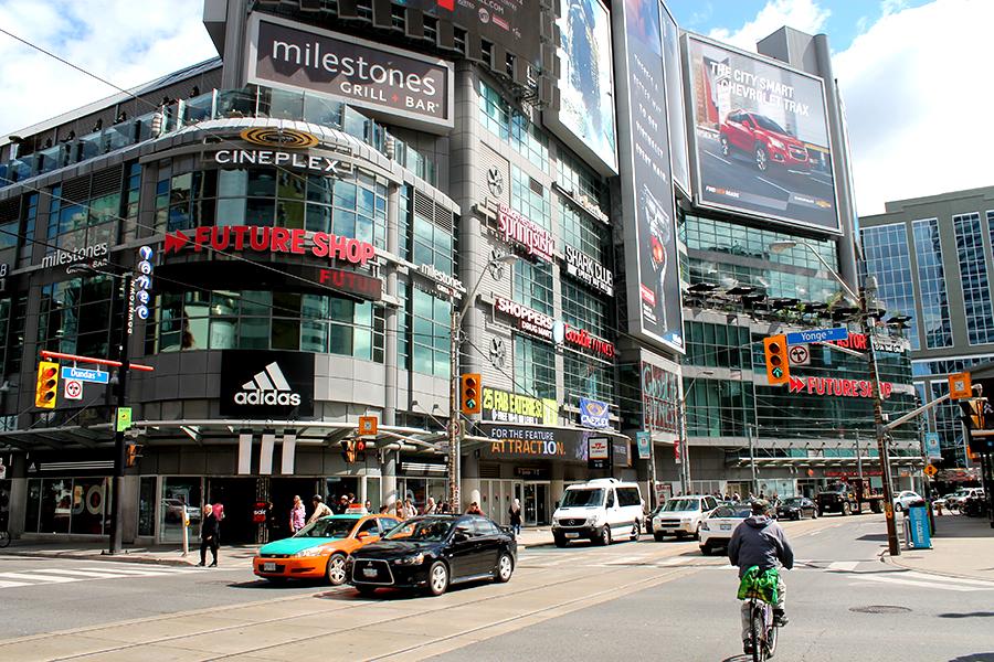 Toronto,Dundas Square bezoeken, tips voor Toronto