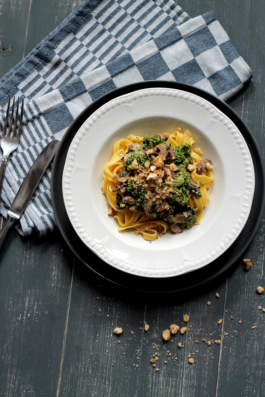 Pasta met broccoli en notensausje, herfstrecept