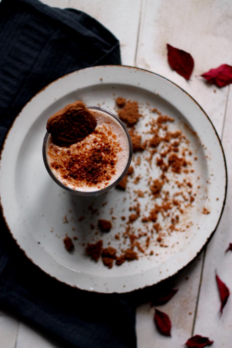 Stoofperen smoothie met speculaaskruiden, speculaas, stoofperen, herfstrecept