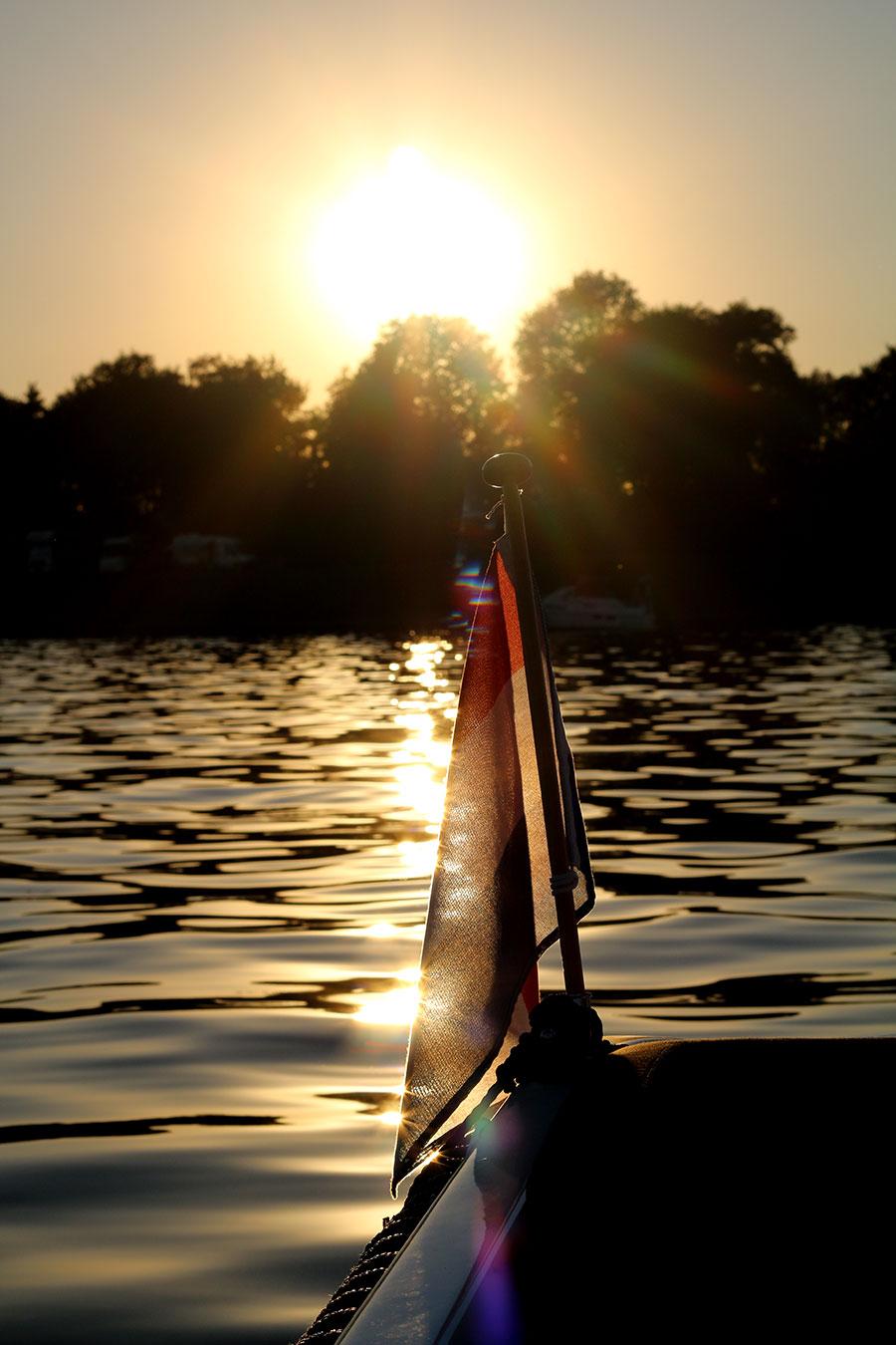 In eigen land: varen op de Mookerplas