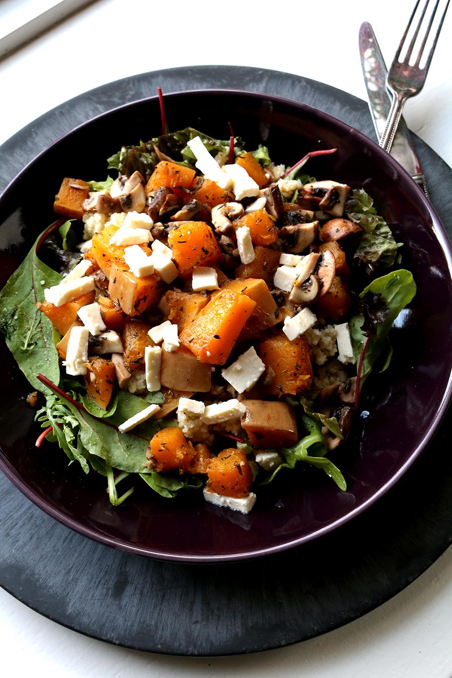 Pompoen salade met fetakaas, couscous en champignons