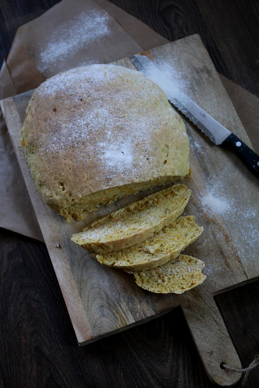 Pompoenbrood met tijm (lactosevrij & vegetarisch brood)