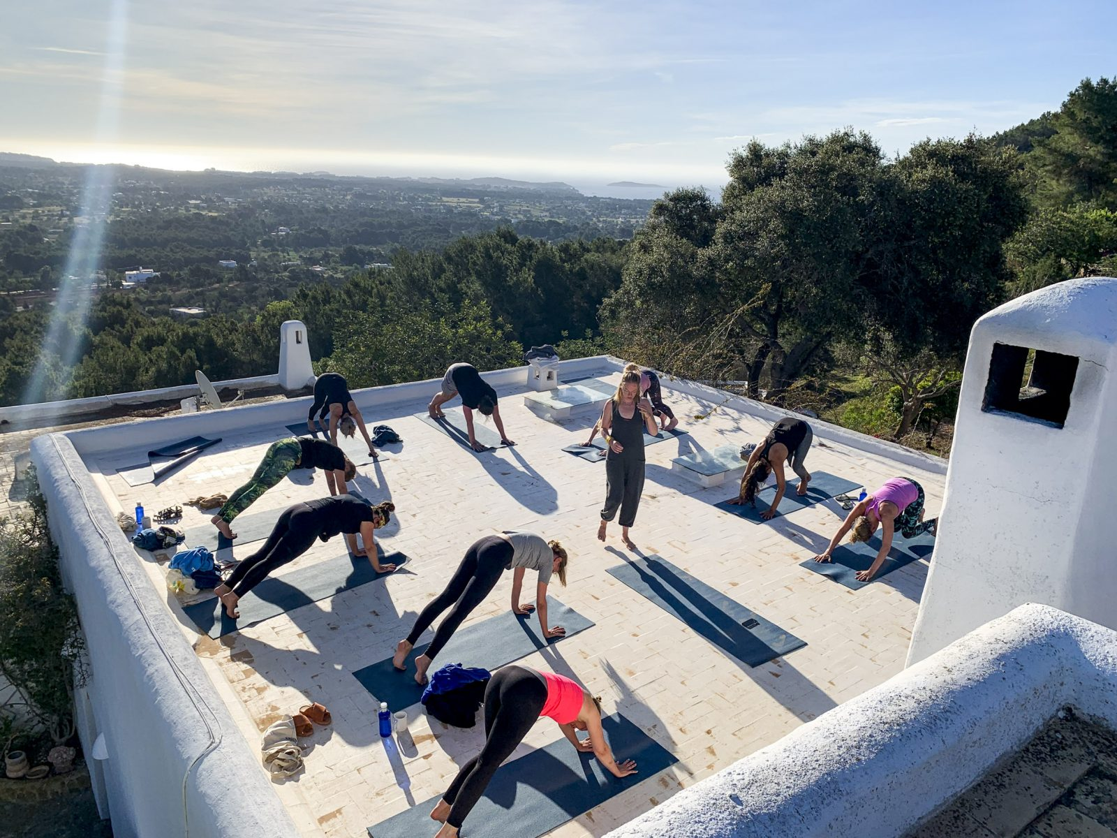 Ochtendyoga tijdens Yoga Retreat Ibiza