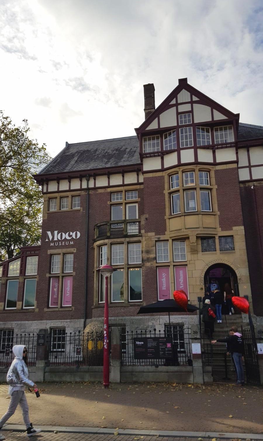 Moco Museum buitenkant
