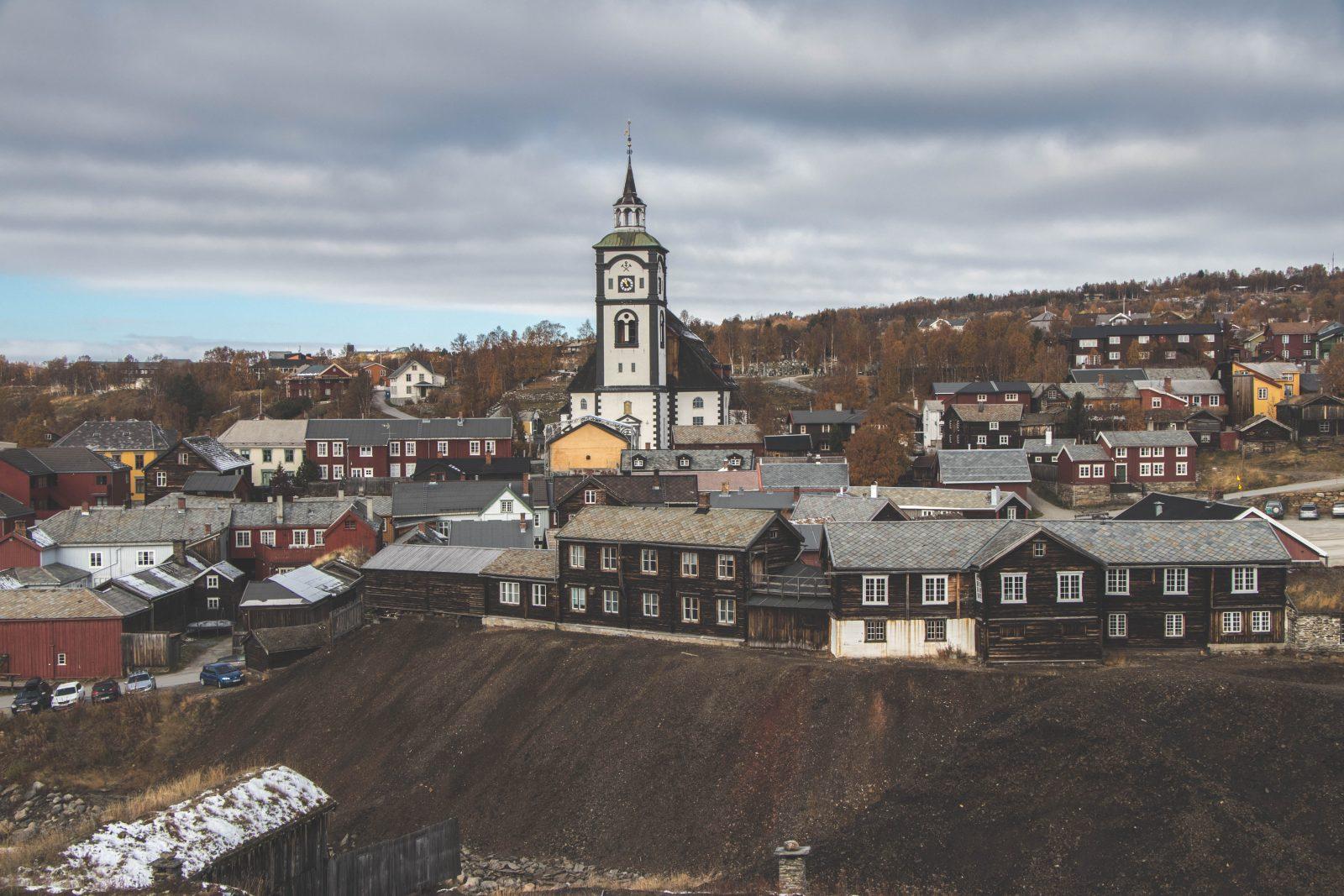Røros Noorwegen: het pittoreske, oude mijndorp in Noorwegen
