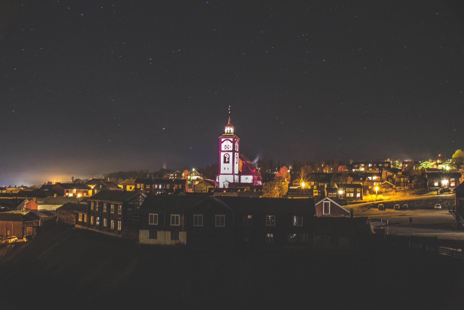 Røros by night