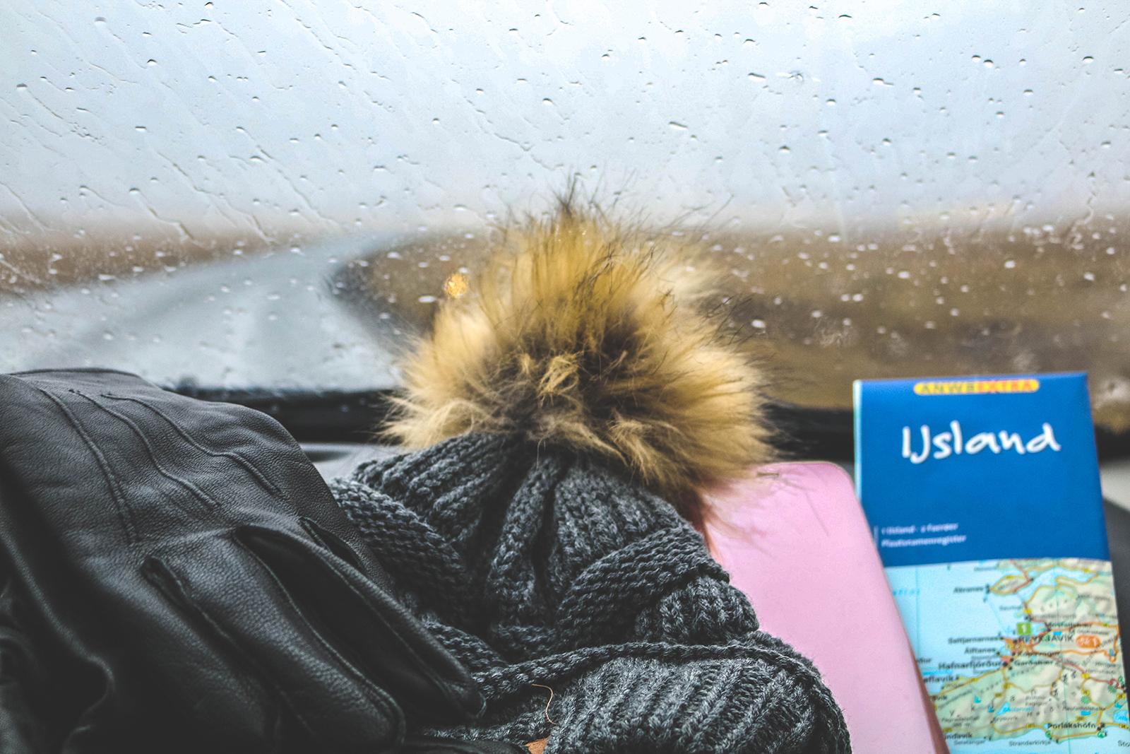 Reizen-met-auto-door-ijsland