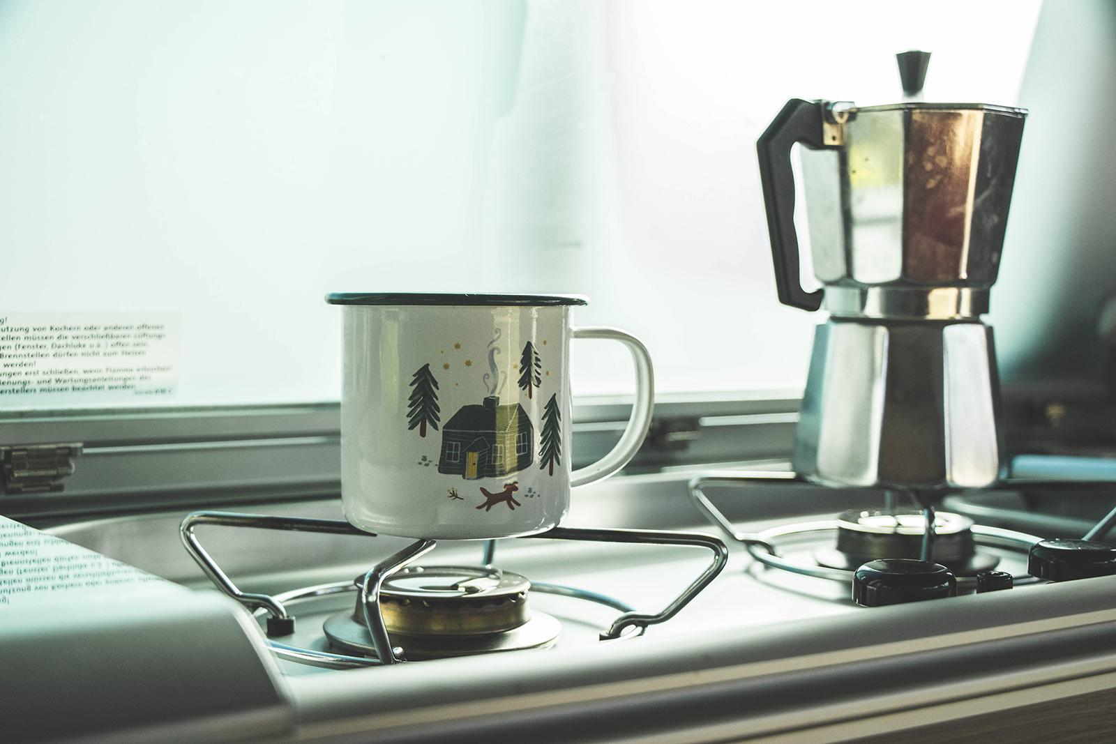 Camper huren bij Goboony - Koffie op de camping