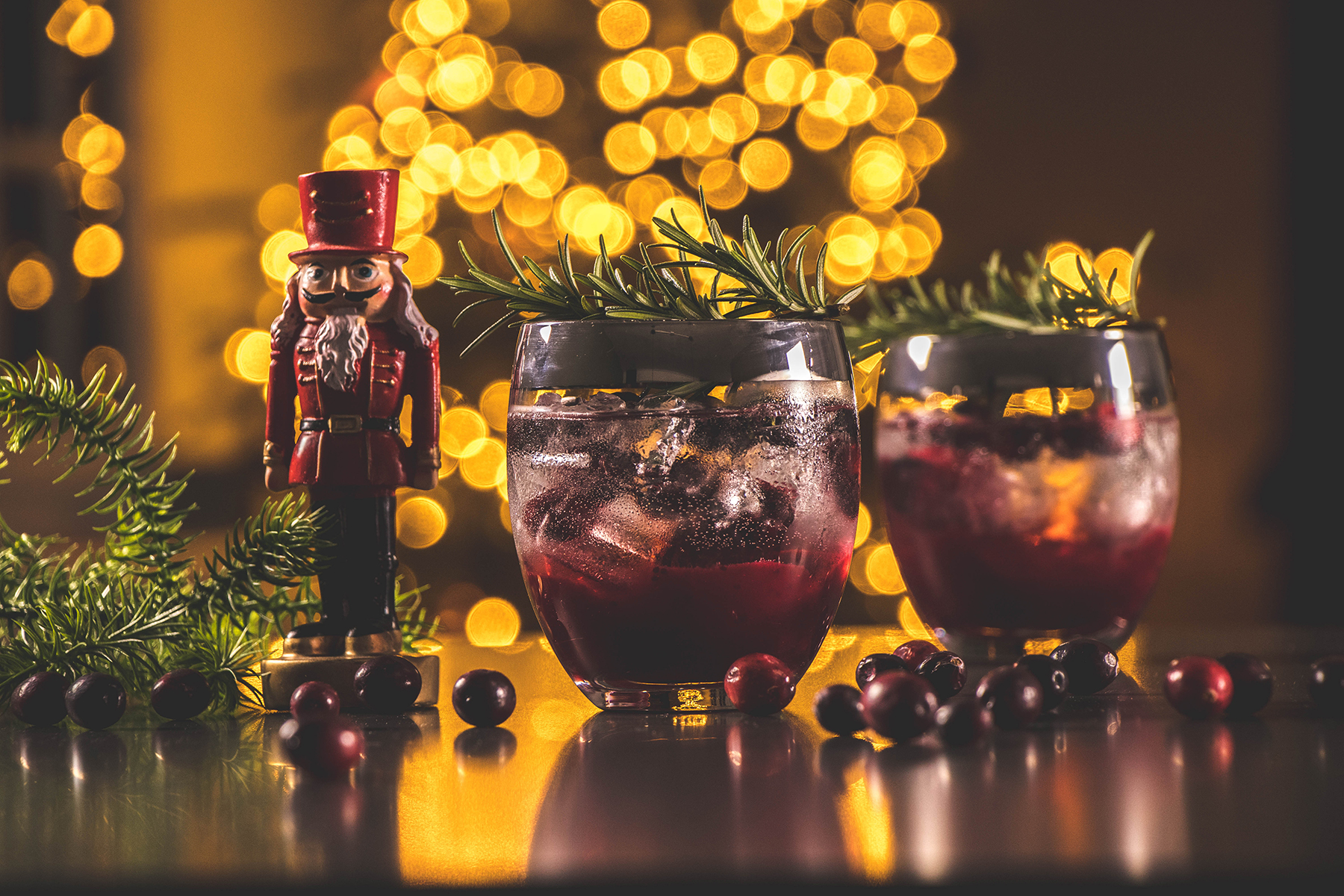 Cocktail met gin en cranberries